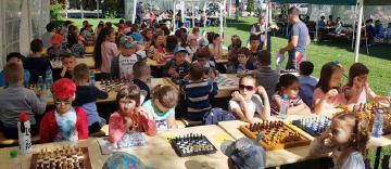 """Concurs de şah la parohia """"Sf. Mina, Victor şi Vichentie"""" din Galaţi"""