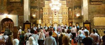 Slujire arhierească la Galați – Sfinții împurpurează, înnobilează și întăresc biserica lui Dumnezeu în Cer și pe pământ