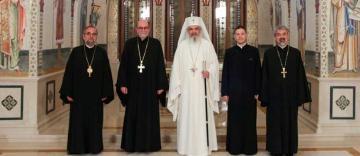 """Patriarhul României l-a primit în audienţă pe Preşedintele Institutului Teologic Ortodox """"Sfântul Vladimir"""" din New York (SUA)"""