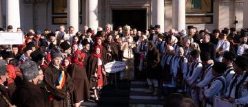 """Comemorarea eroilor Revoluției din 1989 și Festivalul de datini şi obiceiuri la Naşterea Domnului şi Anul Nou """"Tudor Pamfile"""" la Galaţi"""