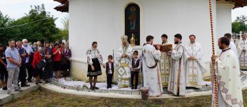 Sfinţirea bisericii din localitatea Ciureştii Noi, județul Galați