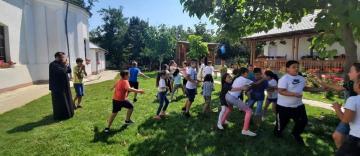 Activități de vară pentru 40 de copii din Ianca